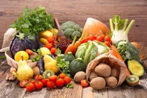 Obst und Gemüse bleiben bei richtiger Lagerung länger frisch.