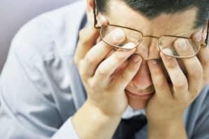 Bei zu wenig Schlaf leidet die Konzentrationsfähigkeit und die Urteilsfähigkeit nimmt ab.