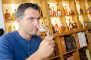 Im richtigen Glas entfaltet sich das Aroma des Whiskys besonders gut.