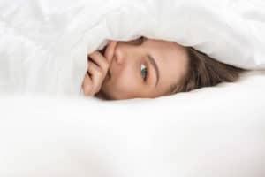 Sieben Stunden Schlaf am Tag stärken Körper und Geist.