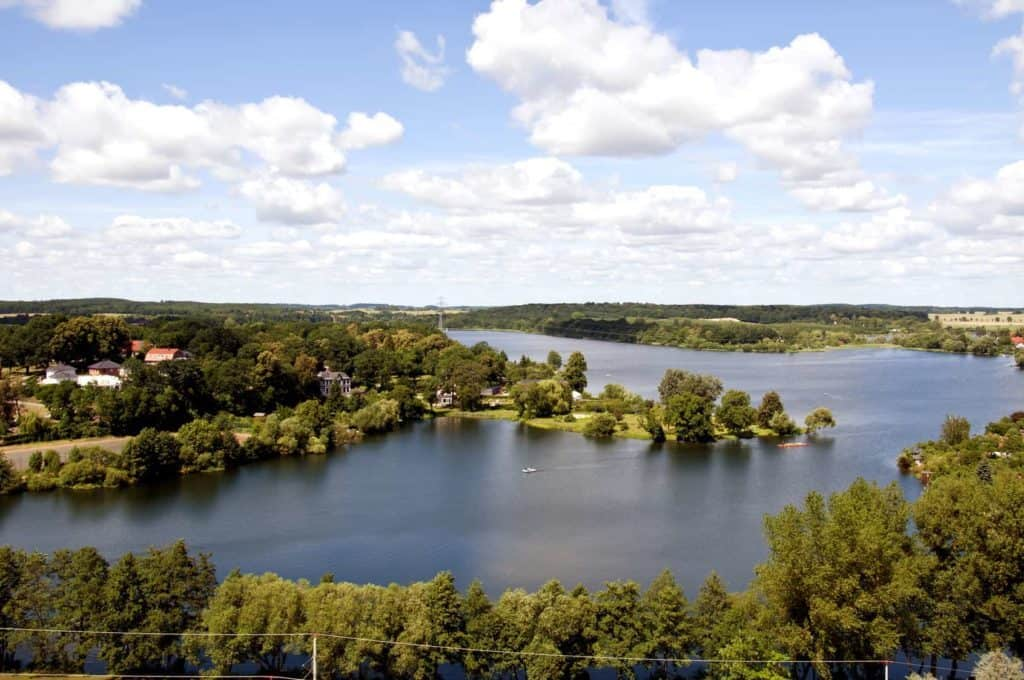 Spontanreise nach Waren an der Müritz. Hier ein Luftbild von seen und Wäldern.