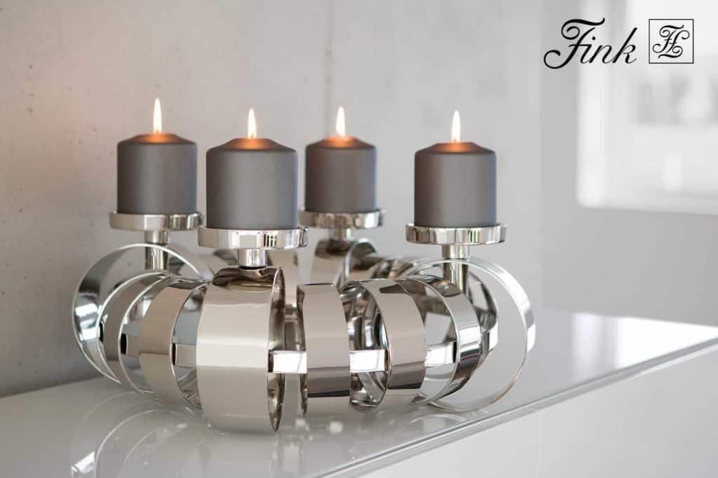 Edle Geschenke – Adventskranz aus Metall mit 4 Kerzen.