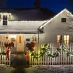 Wieviel Weihnachtsdeko am Haus darf es denn sein?