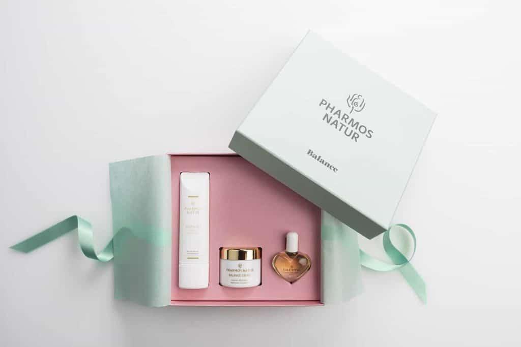 Drei Pflegeprodukte in schöner Geschenkverpackung (edle Geschenke)